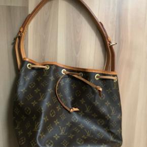 Original Louis Vuitton Monogramm Petit Sac.Mit Dustbag. Datacode: AR0914 In schönem gebrauchtem Zustand. Abholung oder Versand +11.-  (Preis fix!)