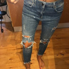 Zara bukser fra mande afledningen men passes også sagtens af kvinder