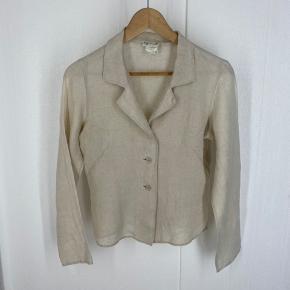 Agnes b skjorte i linned. Fransk 40 så passer fra 34 og op til 38