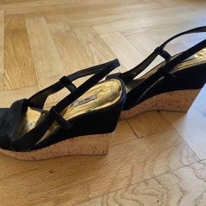 Som nye - flere billeder haves   Hæl - 11,5cm    Der byttes ikke med disse sko  Kan prøves / hentes på Amager