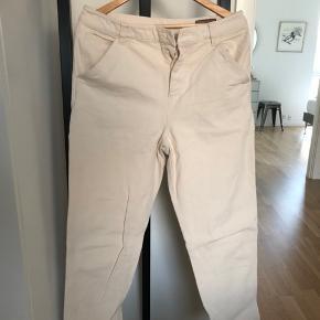 Creme-hvide bukser fra ASOS i størrelse 32/32.  #30dayssellout