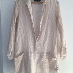 Let skjorte/kjole fra Designers Remix, beige/hvid stribet