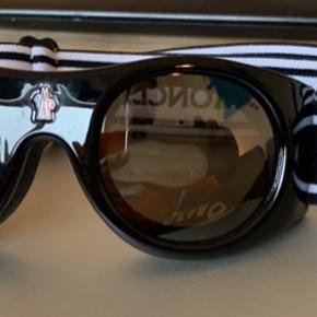 BYD BYD BYD. Moncler skibrille aldrig været i brugt.