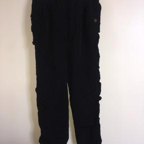Skønne varme bukser i to lag. Str 134/140, men store og tættere på 140/146.
