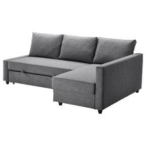 """Grå """"friheten"""" sovesofa fra Ikea, ingen væsentlige tegn på slid, da den bare har stået i gæsteværelset, hvor den næsten aldrig er blevet brugt.   Ny pris: 2.499kr  Kan afhentes i Gistrup"""