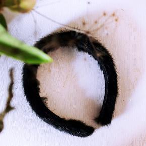 Pels hårbøjle