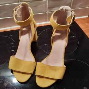 Shoe the Bear stiletter