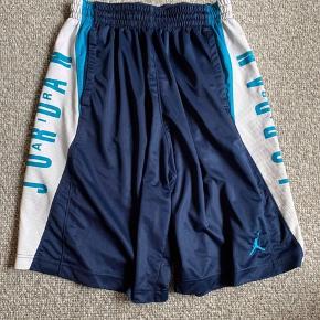 Air Jordan shorts  Str l  100kr
