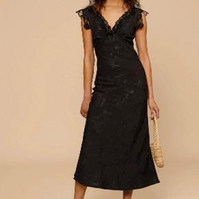 Rouje kjole