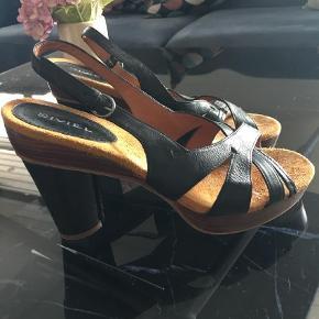 Biviel heels