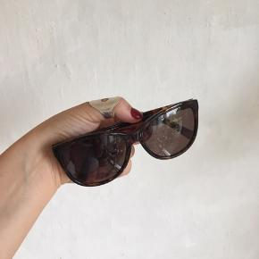 ♻️🌞 Prego solbriller. Nypris 900kr. Aldrig brugt. Skriv gerne for spørgsmål og byd 🧡