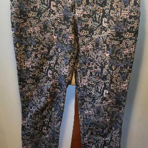 Rika bukser