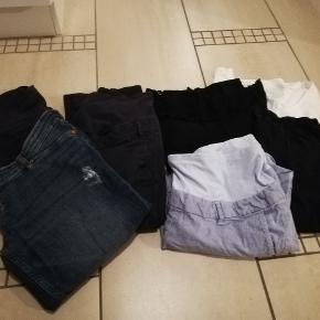 2 par bukser 1 par shorts 1 par leggins 2 trøjer Fejler ingen ting... Fra røgfrit hjem