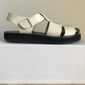 The Row sandaler
