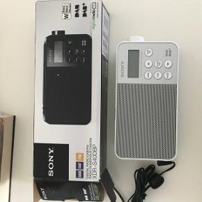 SONY digital DAB/FM radio XDR-S40DBP Aldrig brugt. Med kasse og instruktioner.  Ny pris 670kr