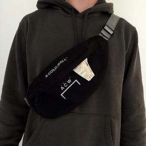 Se mere på instagram: ud_af_skabet_ A-cold-wall bæltetaske Cond 7-8 Mp 300 Bin 600