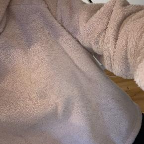 Teddy sweater, brugt men stadig fin stand