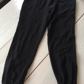 Virkelig fede sweatpants, får dem ikke brugt på nuværende tidspunkt. BYD gerne.