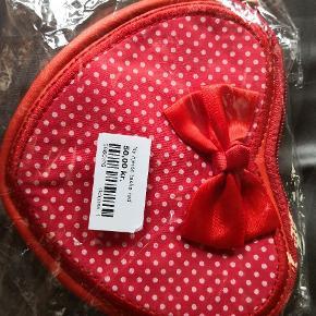 Sød skulder taske i kunst læder med stof og 🎀 hjerte formet np 129 fra lollipop anerkendt svensk mærke uden kemi, nikkel m. M