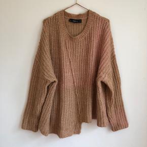 🌸 Cool asymmetrisk sweater fra ZARA 🌸 Oversized fit  🌸 Brugt enkelte gange