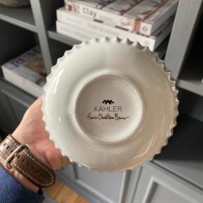 Kähler Hammershøi Vase - H 12,5 cm - Keramik - Hvid sælges. Modtaget i gave fra arbejdet. God stand.