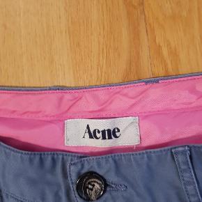 Et par acne bukser, god men brugt... Tage imod bud Str 34/32 Ny pris ca 1300