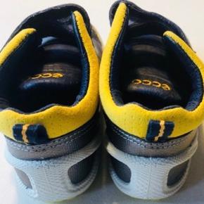 Super sød blå/gul sko  Nypris 550kr