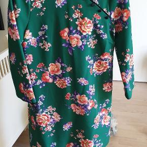 Flot kjole/Tunika i japansk stil. Ny med tags.