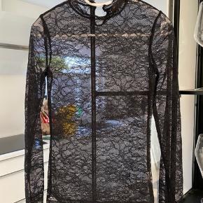 Rosemunde bluse, xsmall. Aldrig brugt.  Porto kommer oveni. Ingen bytte.  #30dayssellout