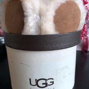 UGG hat & hue