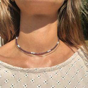 Perle choker halskæde Lilla perler Lås: forgyldt messing Ⓜ️ Mål: 34,5 cm 💮 Prisen er fast og inkl Porto