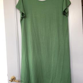 Super lækker kjole - fremstår som ny! Æg 55 cm L 90 cm