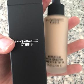 MAC Cosmetics anden accessory
