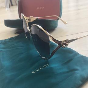 Lækre solbriller brugt få gange. Nypris 3120,-  Model fra sommeren 2018. Kvittering  haves og medfølger.