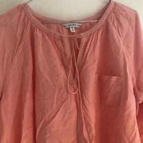Lyserød/ Rosa skjorte fra other stories. Rigtig fin