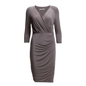 Grå Jersey kjole  Brugt men i pæn stand