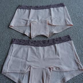 4 par meget lækre trusser/shorts str. medium mrk. Triump,   de har ALDRIG været brugt har kostet Kr. 149,- pr. par sælges  for Kr. 35,- pr. par eller samlet Kr. 100,-