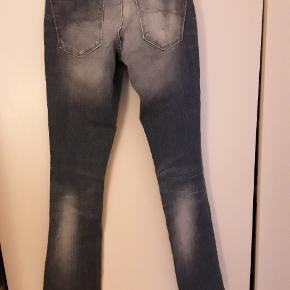 Jeans lyse blå w. 26 L. 32