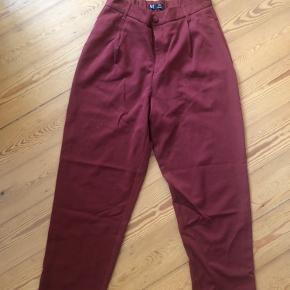 Røde office bukser fra ZARA, str. M, 150 kr
