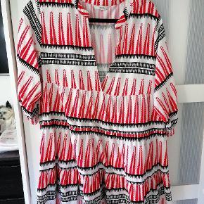 Brugt 1 gang. Rigtig fin skjortekjole 3/4 ærmer m/elastik
