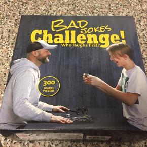 Næsten nyt Bad Jokes Challenge spil fra 10 år. Afhentes i 6700/Boldesager