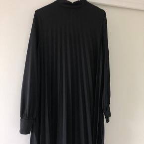 Plisseret kjole