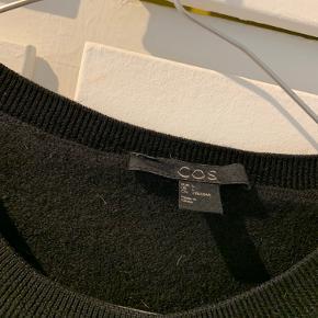 Str. L men vasket forkert, så krympet til str. s og 3/4 ærmet. 100 % uld