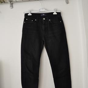 Sorte jeans fra Wood Wood i modellen Eve. str 27.