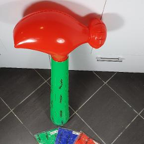 Helt nye Tivoli hammere. Har ca. 100 stk. I forskellige farver. Prisen er pr. Stk. Skriv endelig ved spørgsmål 😃