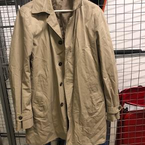 United Colors of Benetton trenchcoat