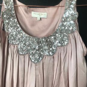 Smukkeste silkekjole fra pureheart  Brugt 1 gang til bryllup
