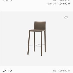 Bo Concept barstole. Har 4 stuks. To er i helt ny og to er brugt men stadigvæk fint stand. Np er 2000kr Per stuk. Byd
