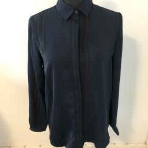 Mørkeblå og sort 100% polyester