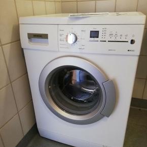 Fint fungerende Siemens iq300 vaskemaskine, med 7 kg tromle. Ca. 5 år gammel, Ser ud som ny. Har været brugt af enlig.